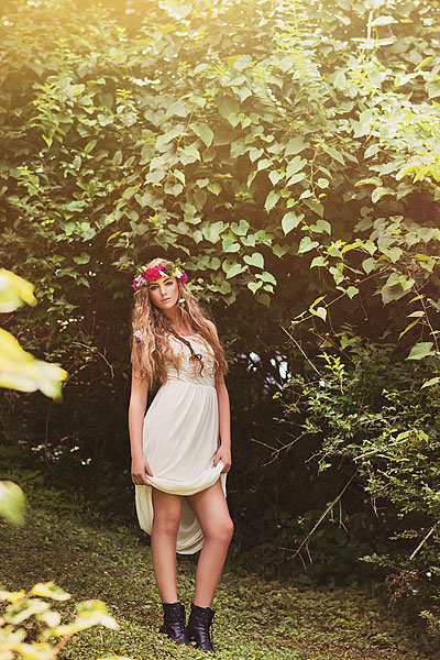 Louisville senior picture boho style wearing flower crowns.