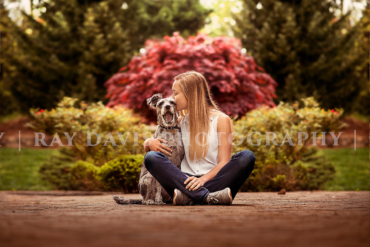 Senior Girl with dog by Louisville photographer Ray Davis Photography